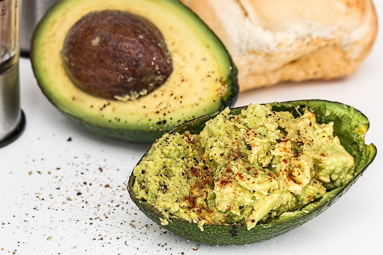 Lakse Ruller Med Avocado Salat
