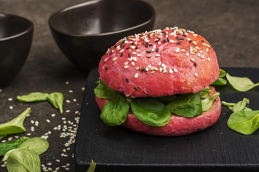 Rødbede Burger Med Pulled Chicken