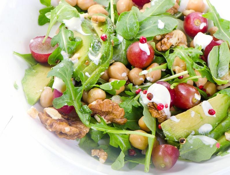 Kikærte Salat Med Avocado Og Valnødder