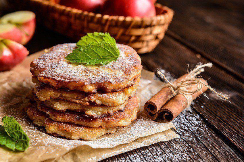Æblepandekager Med Kanel